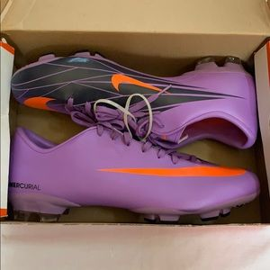 NIKE MERCURIAL VICTORY FG cleats/boots.